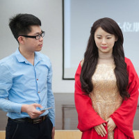Robot giai nhân ở Trung Quốc
