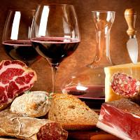 Tại sao khi uống rượu không nên ăn thịt