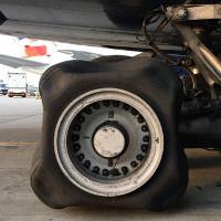 Chiếc lốp hình vuông của Airbus A380 khiến các chuyên gia hàng không bối rối