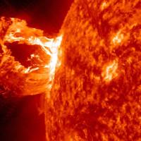 Siêu bão Mặt Trời ươm mầm sự sống trên Trái Đất