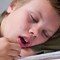 90% người không biết căn bệnh đằng sau việc chảy nước miếng khi ngủ