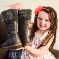 Bé gái 5 tuổi có một nửa cơ thể lớn nhanh hơn nửa còn lại