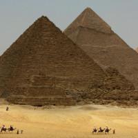 Đại kim tự tháp Giza có lỗi lớn trong xây dựng