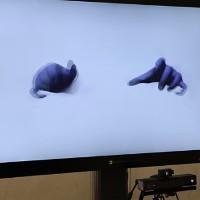 Microsoft trình diễn công nghệ tương tác với vật thể ảo trên màn hình qua cử chỉ bàn tay