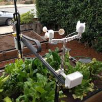 Video: Robot thay người trồng đủ rau ăn một năm
