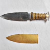 Lý do vua Tut chế lưỡi dao găm nạm vàng bằng thiên thạch