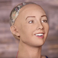 Video: Cuộc trò chuyện với Robot Sophia và đáp án khiến chúng ta giật mình