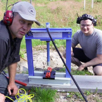 Video: Chuyện gì sẽ xảy ra khi tra tấn thuốc nổ bằng máy ép thủy lực?