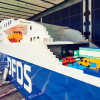 Tàu biển ba tấn xếp bằng lego lập kỷ lục thế giới
