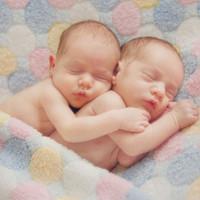 Phụ nữ mang thai đôi nên sinh con vào tuần thứ 37