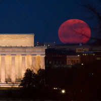 Lý giải hiện tượng Mặt Trăng to hơn ở sát đường chân trời