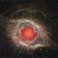 Tinh vân giống con mắt đỏ rực khổng lồ trong vũ trụ