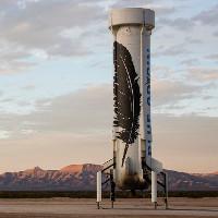 Tên lửa của Blue Origin sau khi phóng vẫn tiếp đất và thoát hiểm an toàn