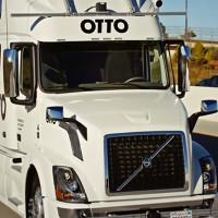 Video: Xe tải tự lái lần đầu tiên chở hàng đường dài thành công