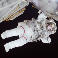 Chuyến đi bộ ngoài không gian thứ 196 của phi hành gia NASA