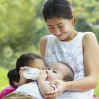 Thái Lan - nước đầu tiên tại Châu Á ngăn chặn được HIV lây từ mẹ sang con