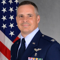 Đại tá không quân Mỹ đã giải đáp được vấn đề tế nhị của NASA và ôm về 15.000 USD