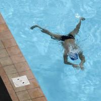 Hồ bơi công cộng chứa tới 75 lít nước tiểu