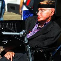 Stephen Hawking đưa ra giải pháp ngăn chặn trí tuệ nhân tạo thống trị con người