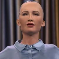 Robot gây sốc khi tuyên bố muốn thống trị loài người