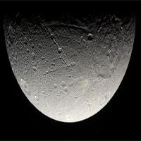 Phát hiện bất ngờ về khoảng trống không gian trên Sao Thổ