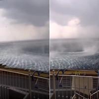 Video: Xoáy nước khổng lồ xuất hiện bên đảo nghỉ dưỡng của Hy Lạp