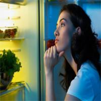 9 hậu quả đáng sợ của việc ăn đêm mà bạn không hề hay biết
