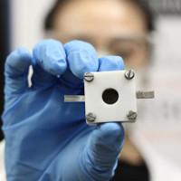 Chế tạo thành công pin kẽm không khí, trữ điện gấp 5 lần pin lithium-ion