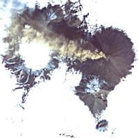 Núi lửa Nga giống lối vào địa ngục trong ảnh vệ tinh