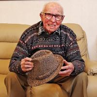 Cụ ông 101 tuổi chiến thắng ung thư trở thành phép màu y học