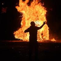 """""""Hiệu ứng sợi bấc"""" trong hiện tượng người tự cháy thành tro"""