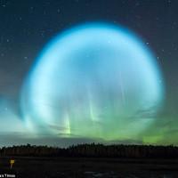 Quả cầu ánh sáng bao trùm bầu trời như tận thế ở Siberia