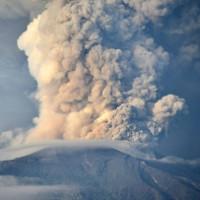 Tro bụi núi lửa ở Bali ảnh hưởng thế nào tới du khách?