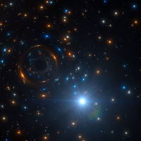 Ngôi sao lạ quái đản quay quanh lỗ đen vô hình