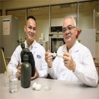 Giáo sư gốc Việt chế tạo siêu vật liệu có thể cứu người từ vải cũ