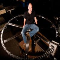 Tỉ phú giàu nhất thế giới bỏ gần 1.000 tỉ đồng để xây dựng chiếc đồng hồ 100 thế kỷ