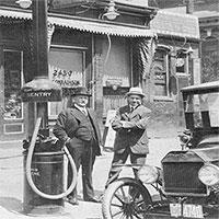 Lịch sử ra đời của cây xăng và trạm xăng