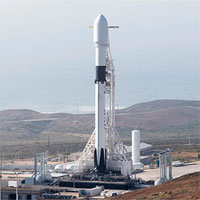 SpaceX dự định phóng 42.000 vệ tinh lên không gian