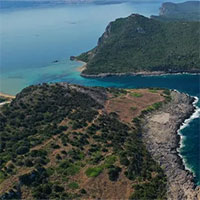 Phát hiện kho báu 3800 năm tuổi chứa tiền và nhiều đồ trang sức giá trị trên đảo hoang
