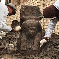 Phát hiện tượng bán thân hiếm của vua Ai Cập cổ đại