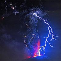 Thí nghiệm với tro bụi 13.000 năm tuổi, các nhà khoa học tìm hiểu lý do tại sao sét núi lửa hình thành