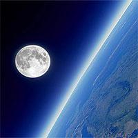 """Giới khoa học cảnh báo """"thảm họa kinh hoàng"""" khi Mặt trăng đang dần """"rời xa"""" Trái đất"""