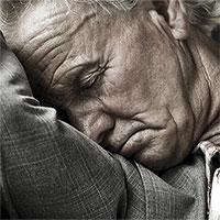 Vì sao càng già càng khó ngủ?