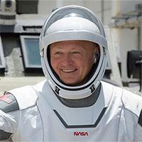 Chi tiết bộ quần áo đặc biệt của phi hành gia vừa lên trạm ISS
