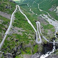 Những con đường kỳ lạ trên thế giới