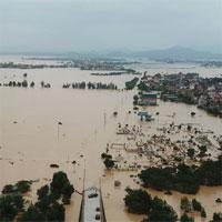 Chùm ảnh lũ lịch sử nhấn chìm đường sá, ngập hàng ngàn ngôi nhà ở Quảng Bình