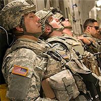 """""""Nghệ thuật ngủ trưa"""" của quân đội Mỹ"""