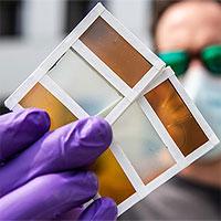 Cửa sổ thông minh kiêm tấm pin năng lượng Mặt trời
