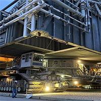 NASA vận chuyển bệ phóng khổng lồ bằng xe bánh xích