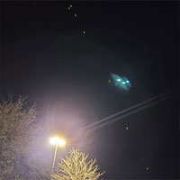 Cụm ánh sáng kì lạ xuất hiện trên bầu trời nước Mỹ